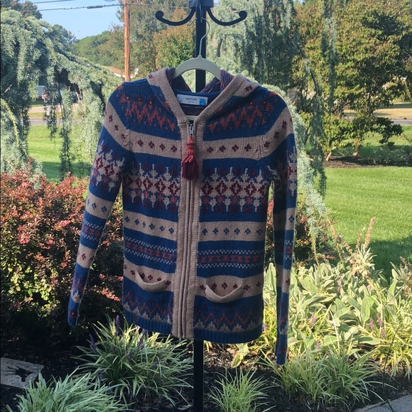 Anthropologie Sweaters - A zip up sweater